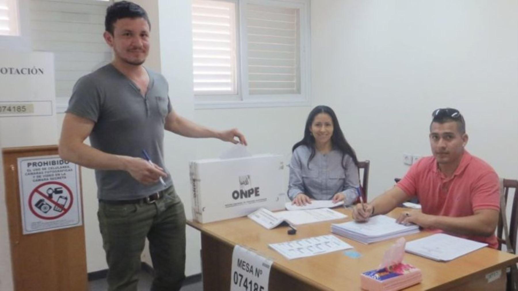 Votación en Tel Aviv Foto: Cancillería
