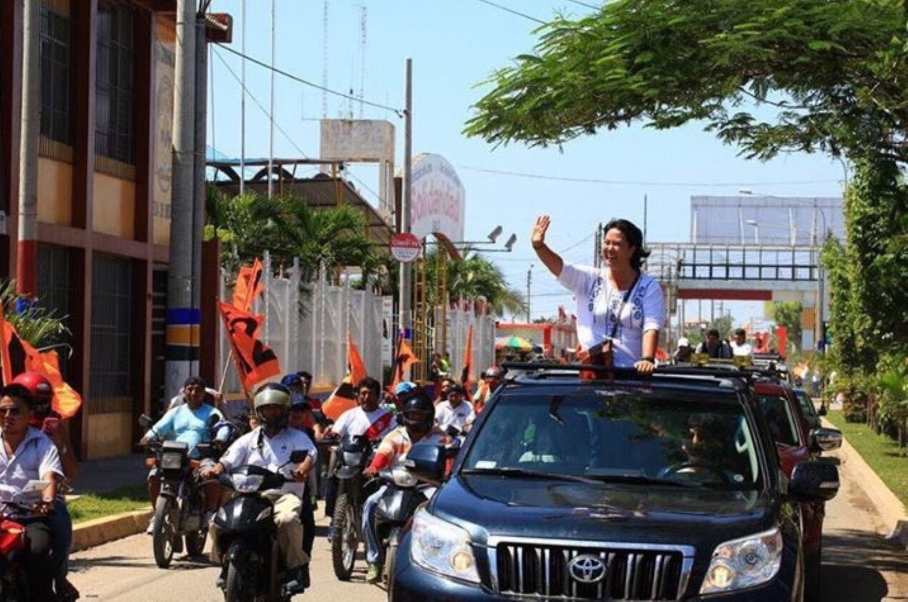 Keiko Fujimori visitó diversas localidades de Tumbes hoy