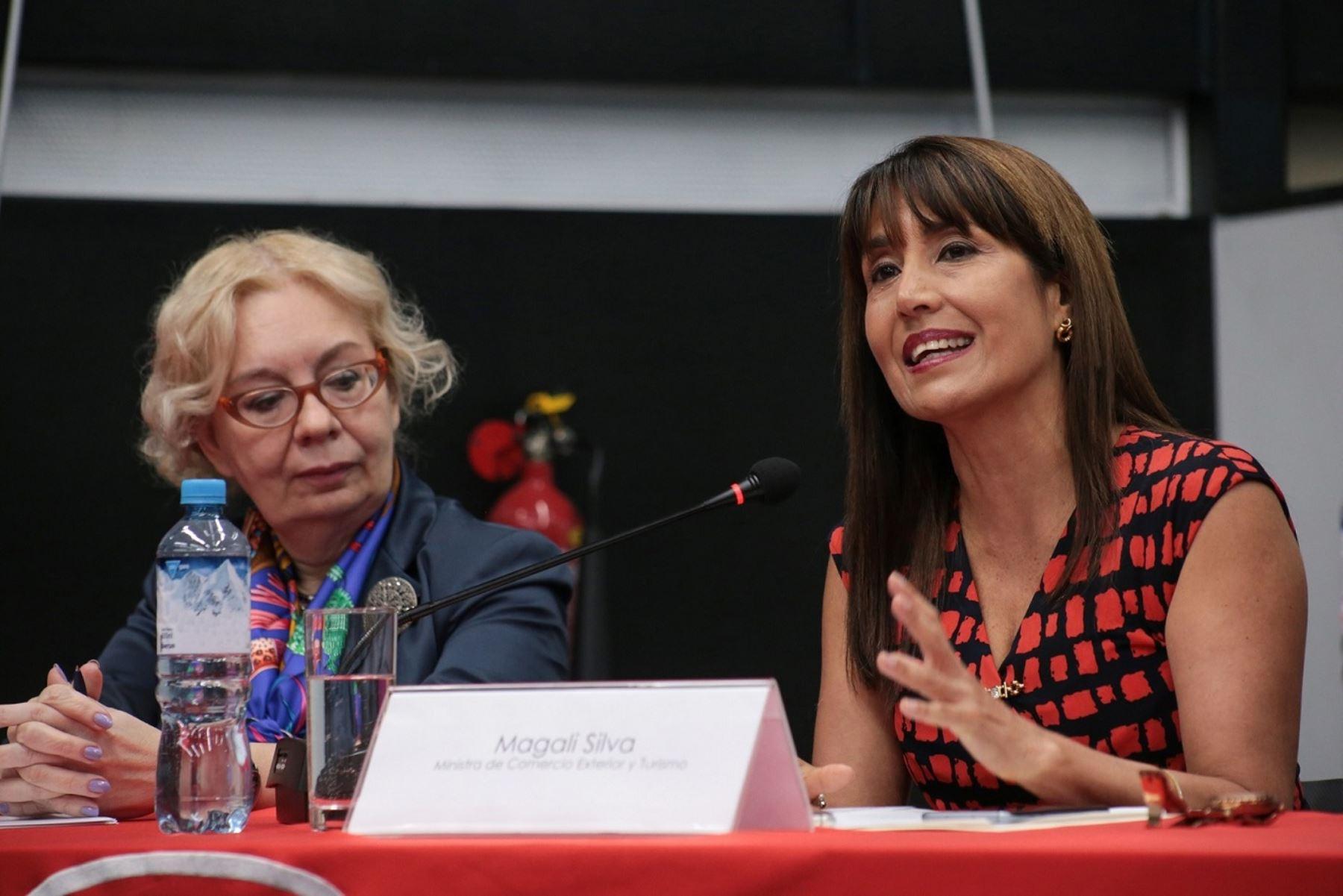 Ministra de Integración y Macroeconomía de la UEE, Tatyana Valovaya y titular del Mincetur, Magali Silva. Foto: Mincetur.