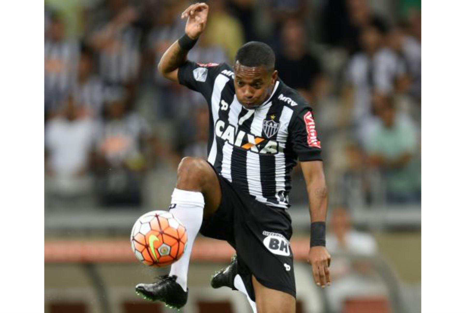 ¡Robinho vuelve al Santos por 190 dólares al mes!