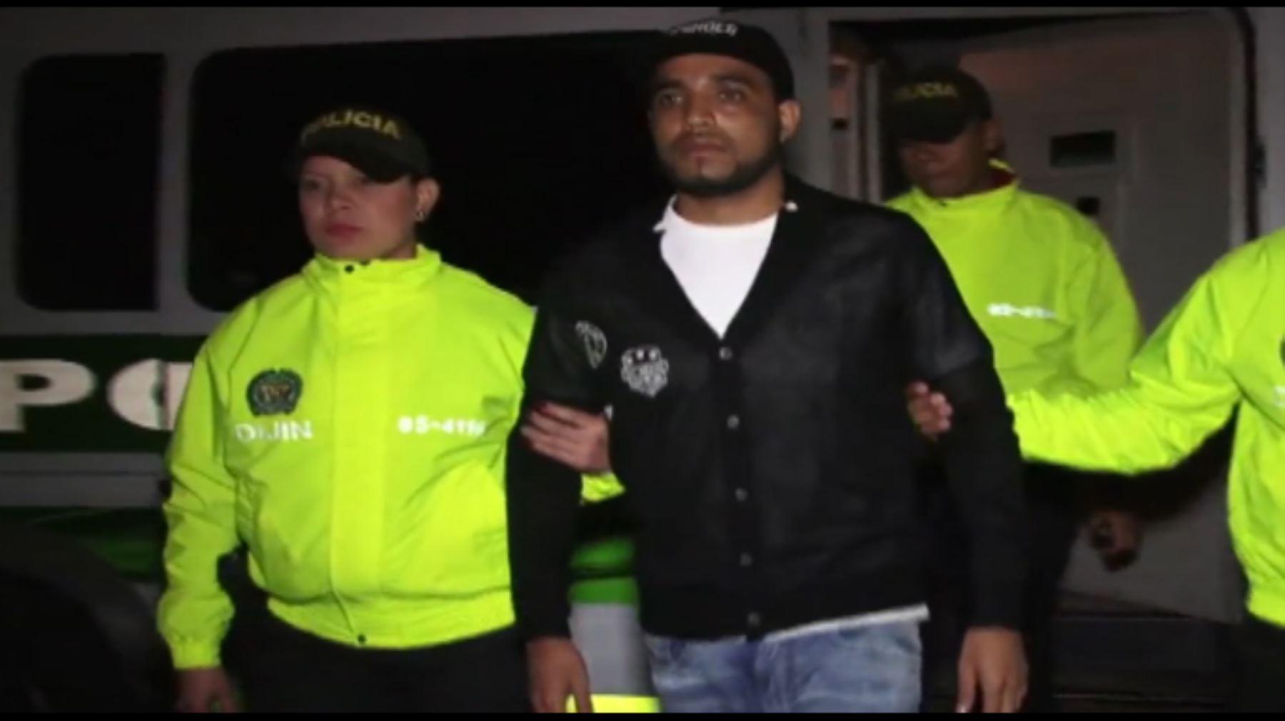 """Delincuente peruano """"Caracol"""" capturado en Colombia y entregado a autoridades peruanas. Captura TV"""