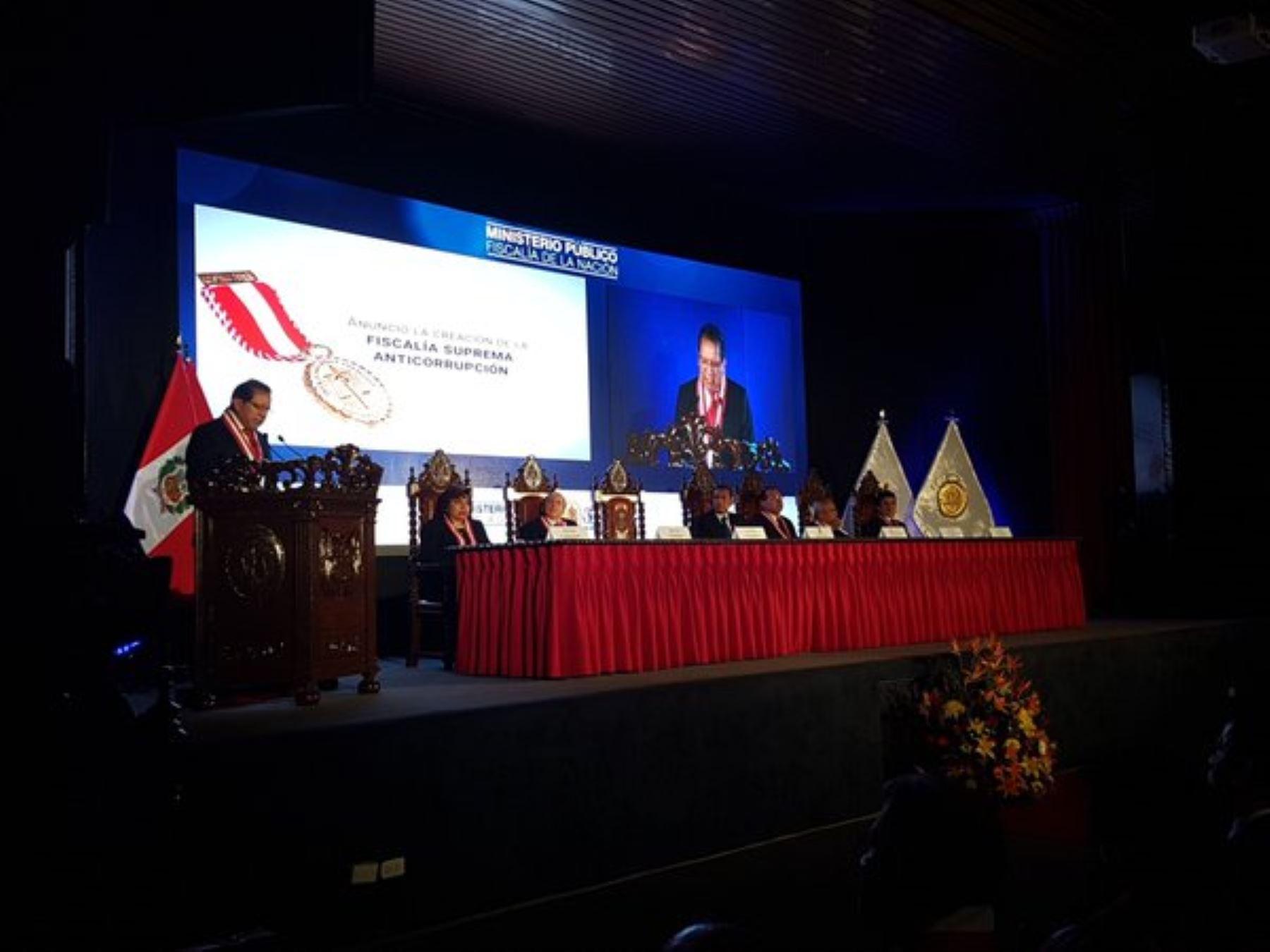 Fiscal de la Nación, Pablo Sánchez, en ceremonia por los 35 años del Ministerio Público.