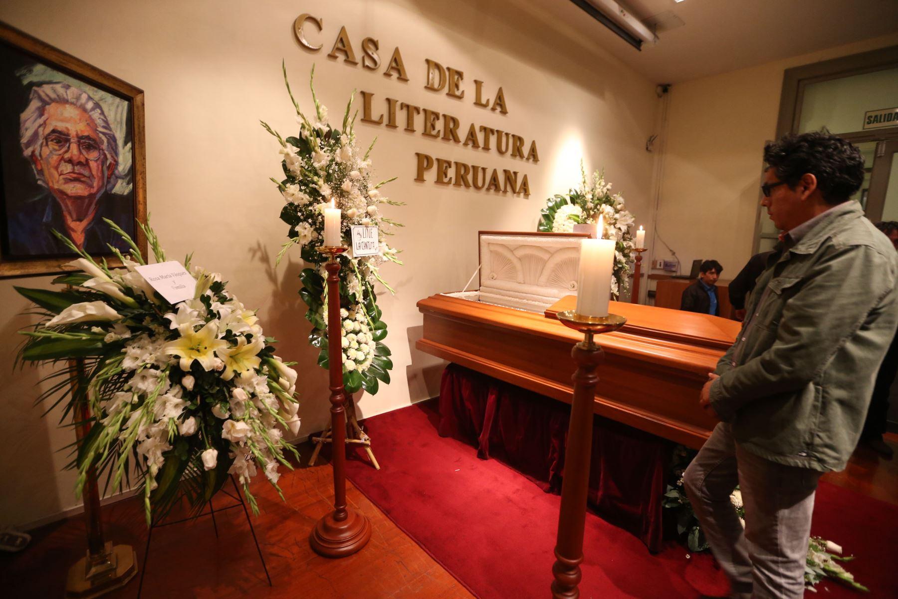 Velatorio del escritor Oswaldo Reynoso Díaz en casa de la literatura Peruana. ANDINA