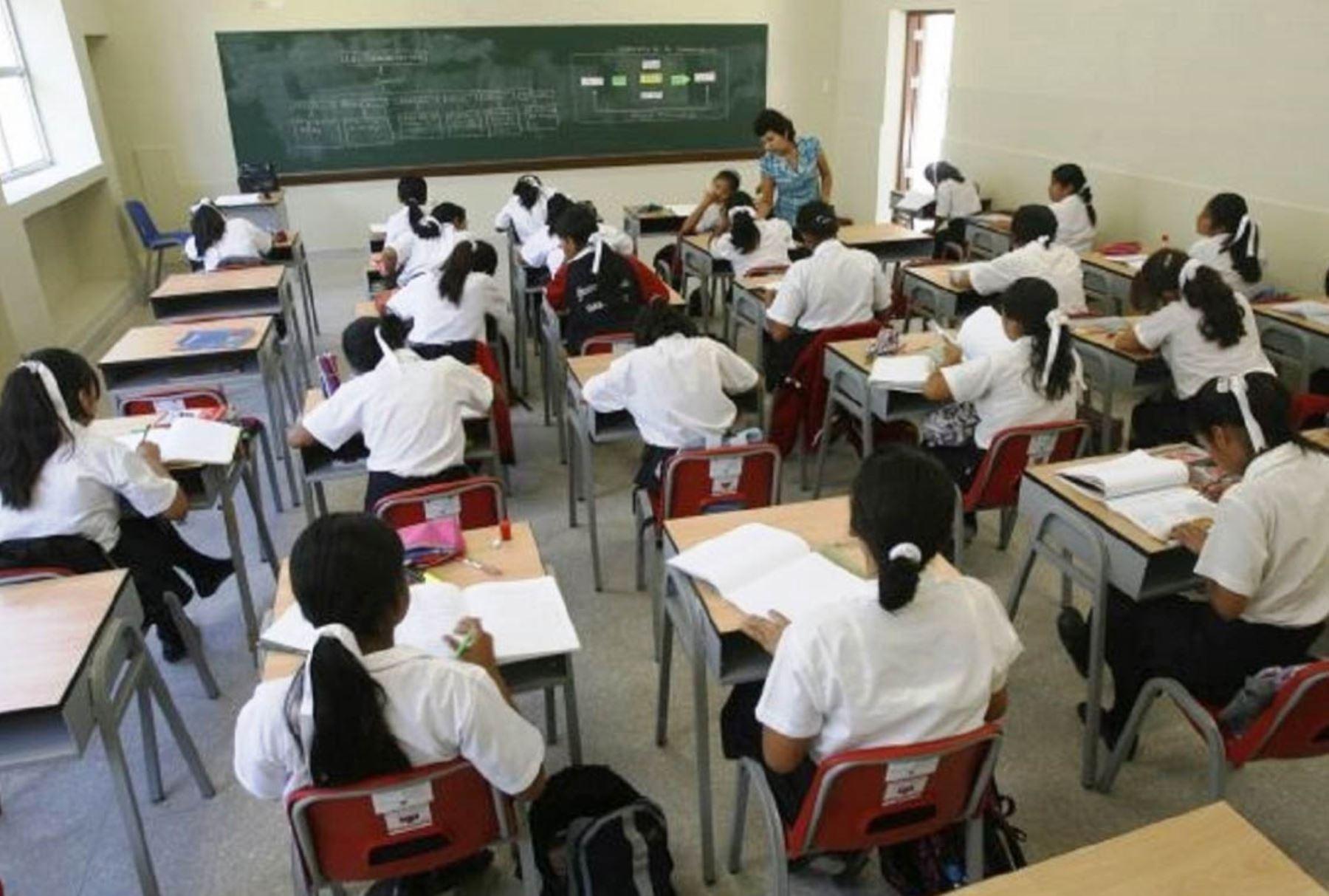 Escolares de Piura accederán a becas para estudiar inglés. ANDINA