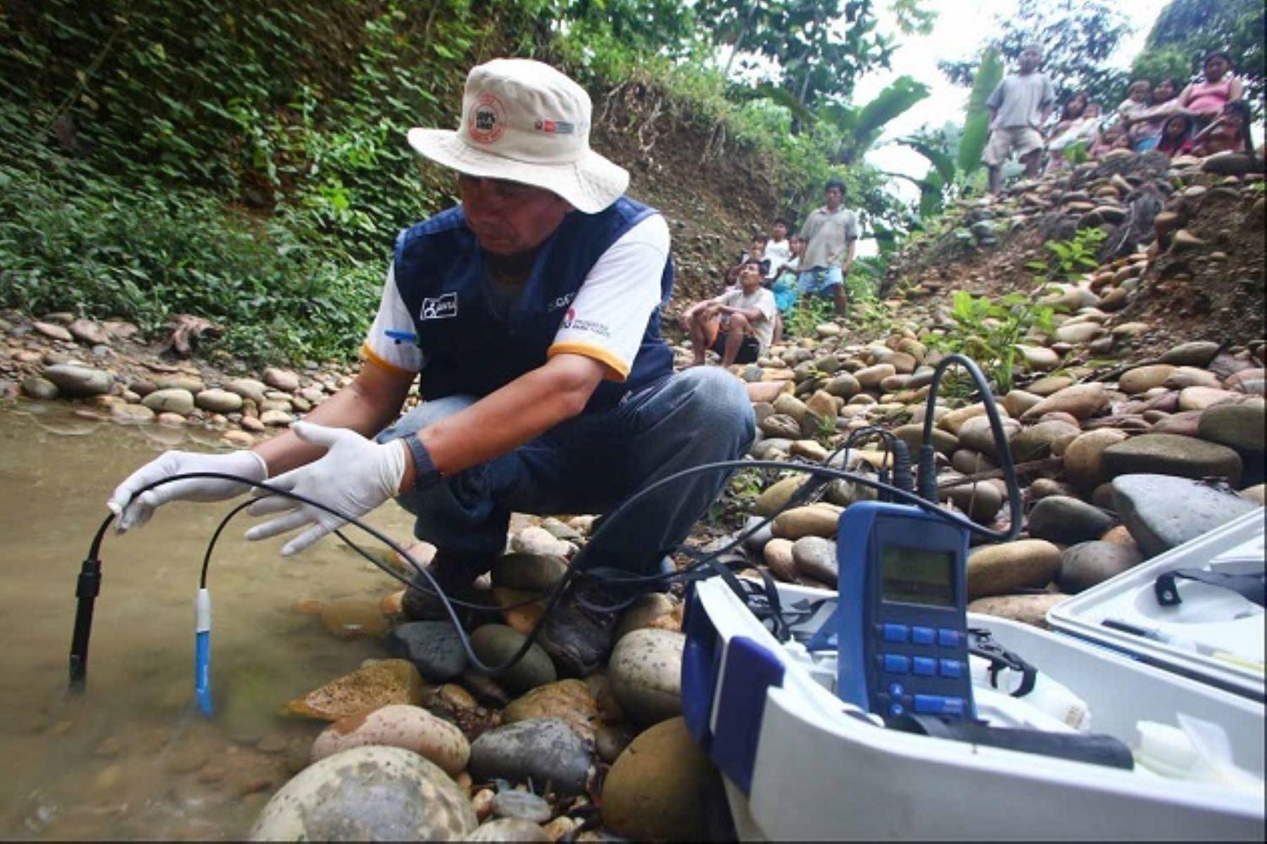Buscan determinar el origen de las manchas oleosas en río PastazaFoto: . ANDINA/Archivo