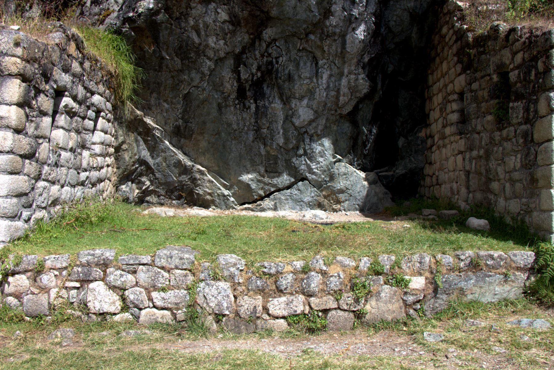 Zona donde existen pinturas rupestres en Machu Picchu.