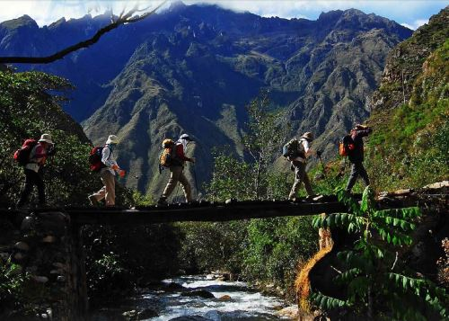 Los turistas que visitan el Perú por vacaciones permanecen en promedio nueve noches, según el Perfil del Turista Extranjero de Promperú. ANDINA/Difusión