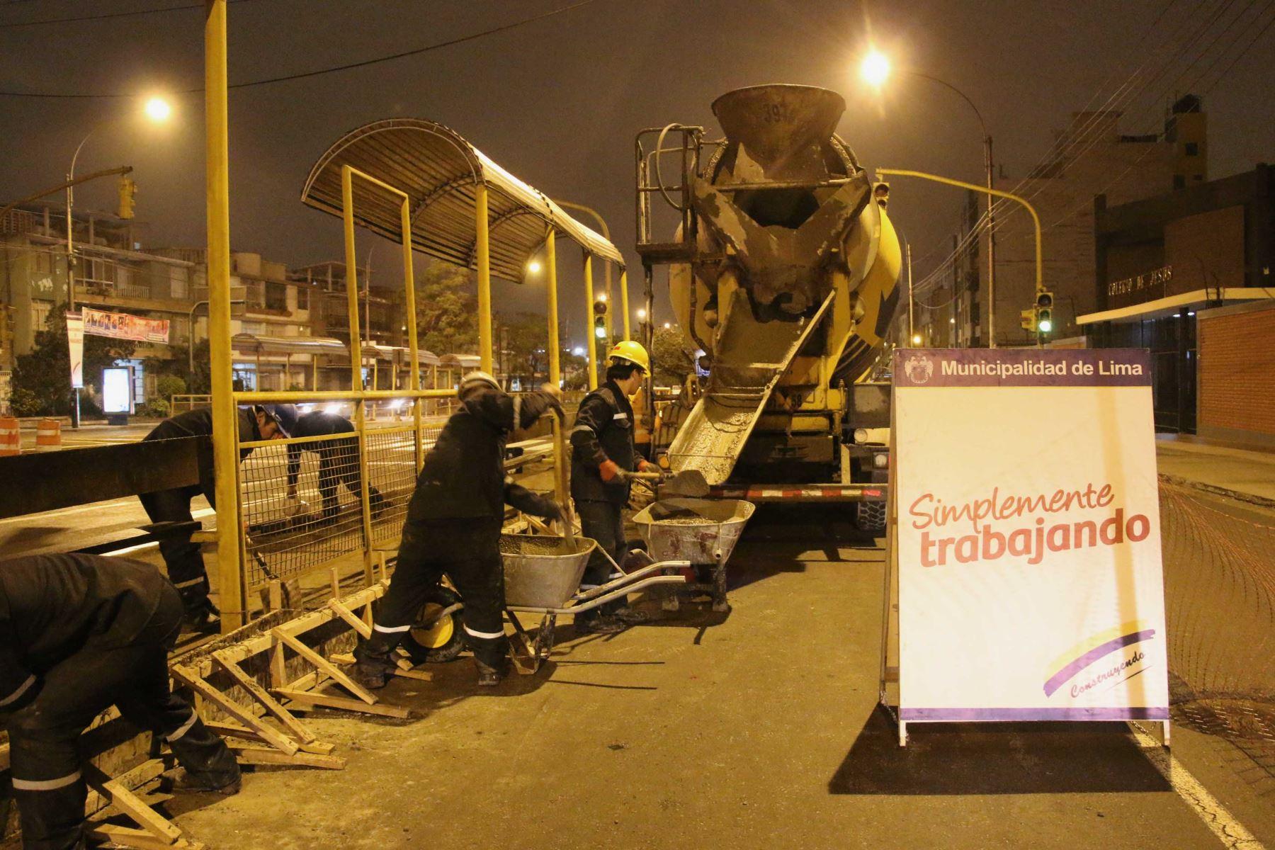 Los trabajos son realizados por las noches y culminarán el 26 de julio. FOTO: ANDINA/Difusión