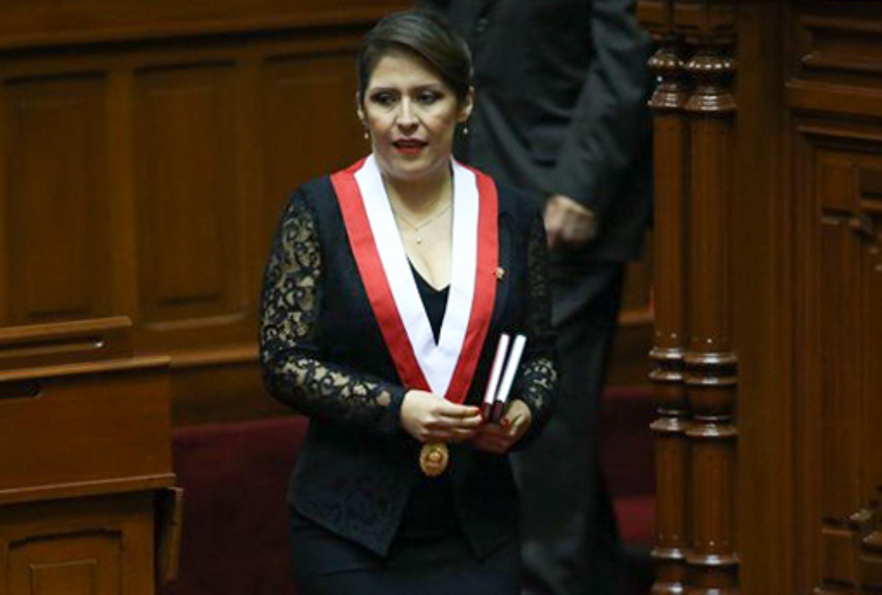 ANDINA/Juan Carlos Guzmán Yeni Vilcatoma, exprocuradora, presidirá la Comisión de Fiscalización del Congreso.