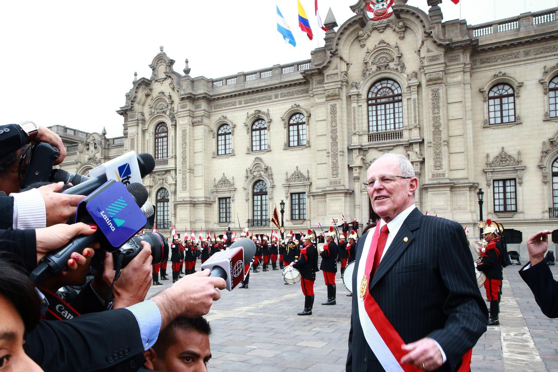 LIMA, PERÚ - JULIO 28. El presidente Pedro Pablo Kuczynski hace su ingreso a Palacio de Gobierno. Foto: Andina /Prensa Presidencia