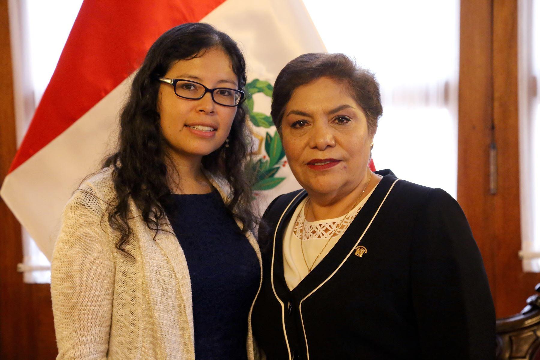 Presidenta del Congreso, Luz Salgado, recibió a la ingeniera aeroespacial, Jackelynne Silva-Martínez, nacida en el Cusco y trabaja en la NASA. ANDINA/Difusión