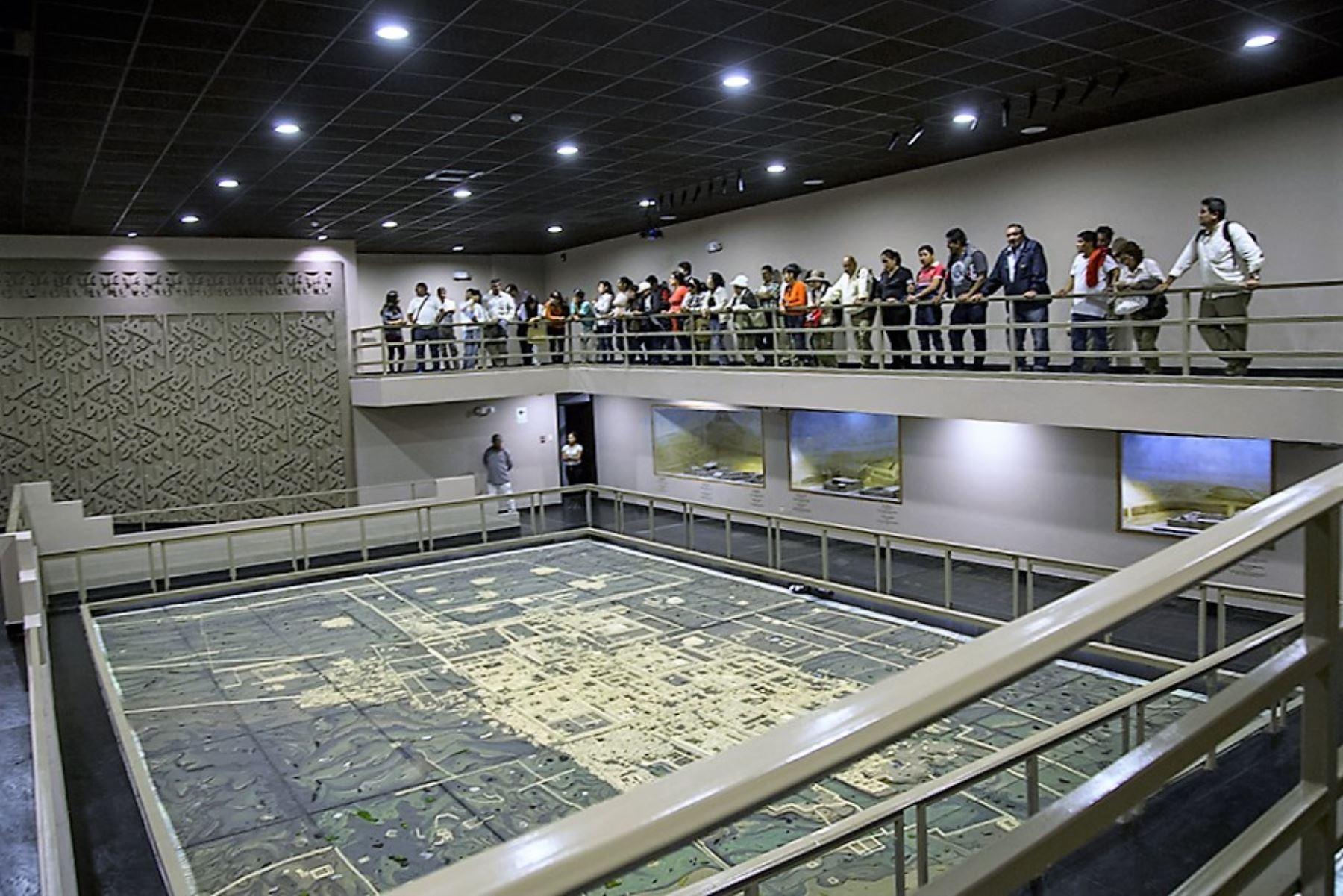Exhibición de piezas inéditas atrae interés de visitantes a museo Chan Chan, en Trujillo. ANDINA