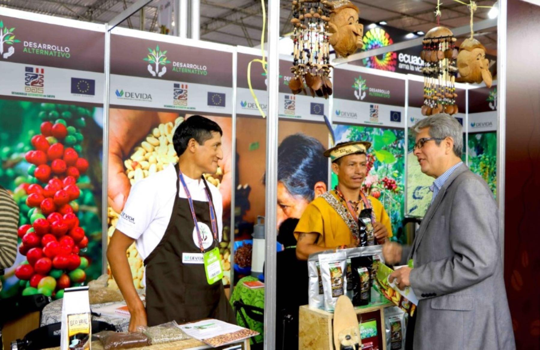 Seis organizaciones de productores de café y cacao de Satipo destacaron con sus productos en Expoalimentaria 2016, la plataforma comercial más importante del país. Estas organizaciones representaron a más de 2,000 familias de agricultores que actualmente se dedican a cultivos lícitos en el ámbito del Valle de los ríos Apurímac, Ene y Mantaro (Vraem).