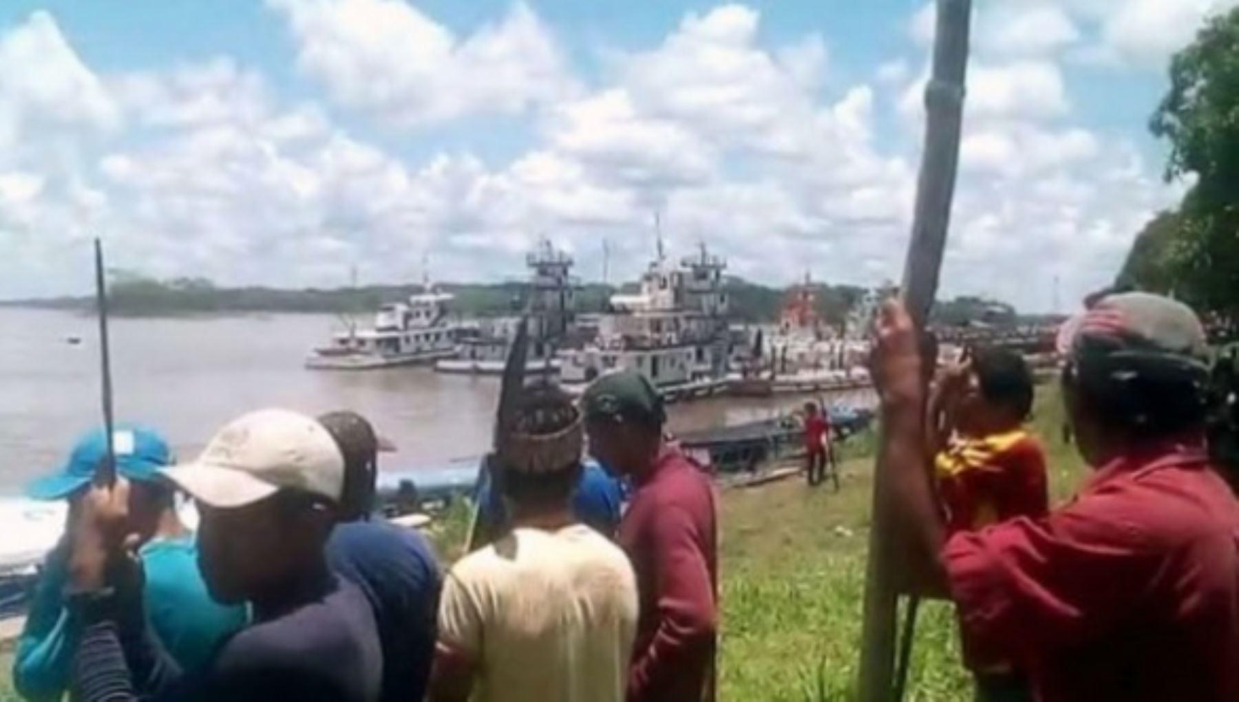 Dirigentes indígenas de Loreto suspenden paro y anuncian liberación de turistas retenidos. Foto: RPP