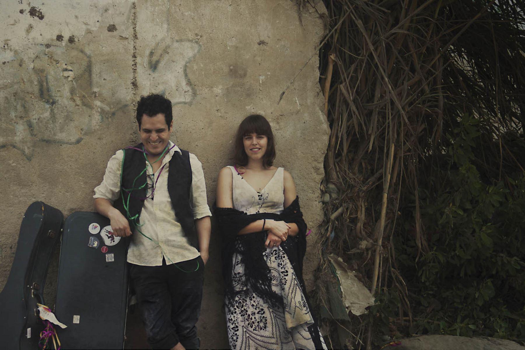 Alejandro y María Laura recibirán reconocimiento a las ventas.