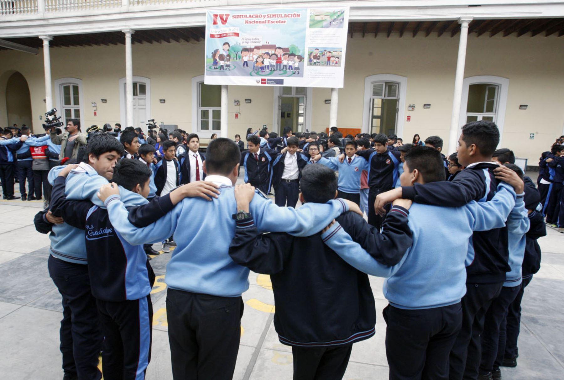 Colegios de Mala realizan simulacros luego de sismo de magnitud 5.5 registrado hoy.
