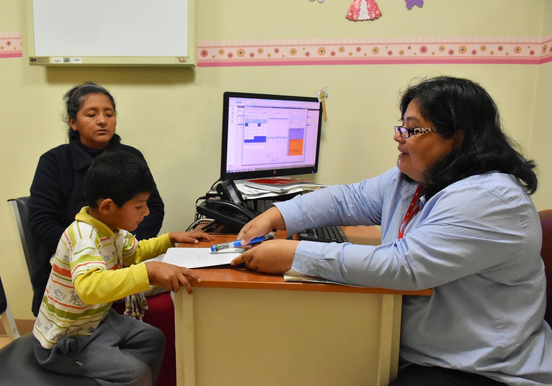 Instituto de Salud del Niño de San Borja, informó que padres de familia persisten en usar castigo físico para corregir a sus hijos.