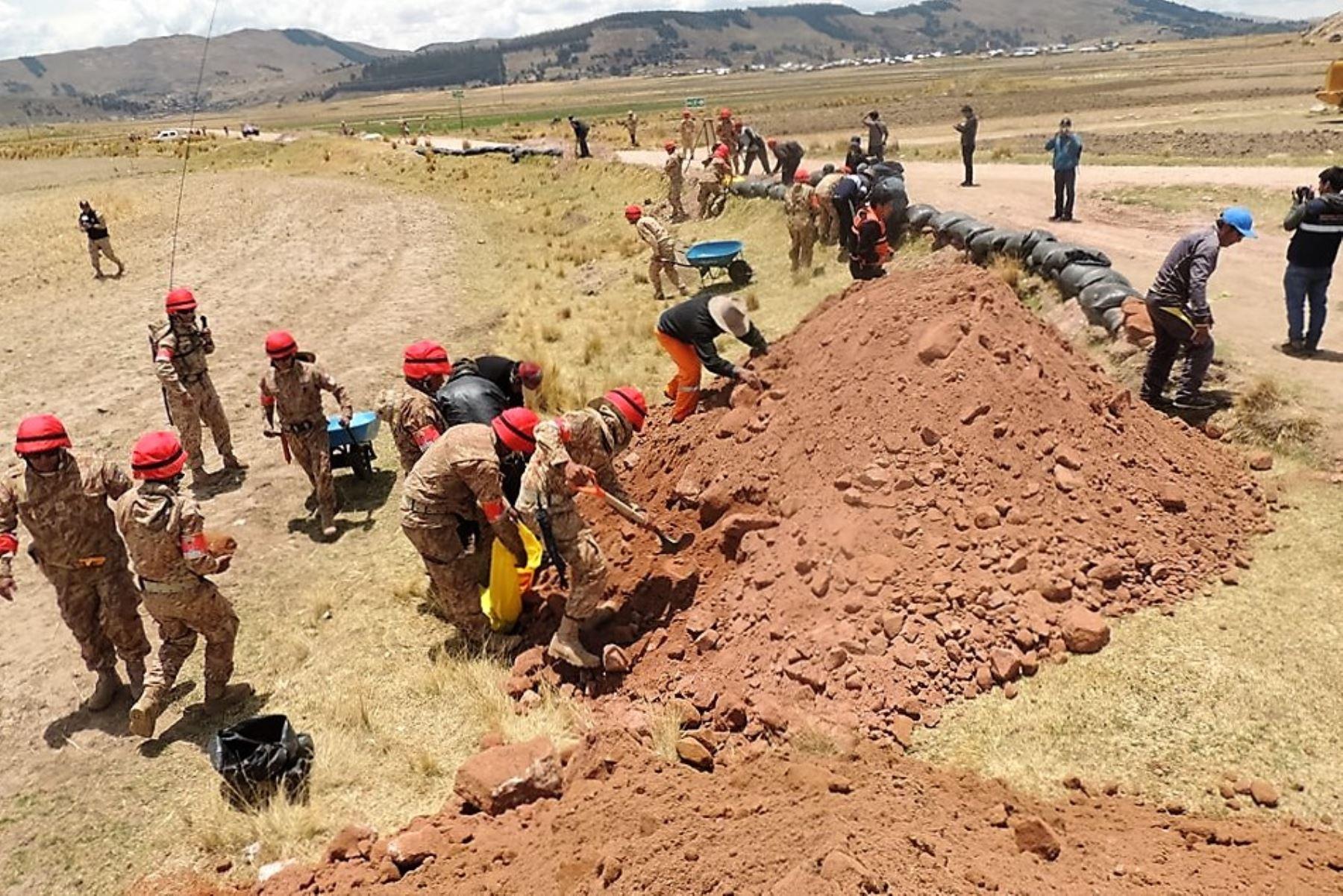 Brigadistas del COER Puno prueban su capacidad operativa en simulacro de inundación. ANDINA