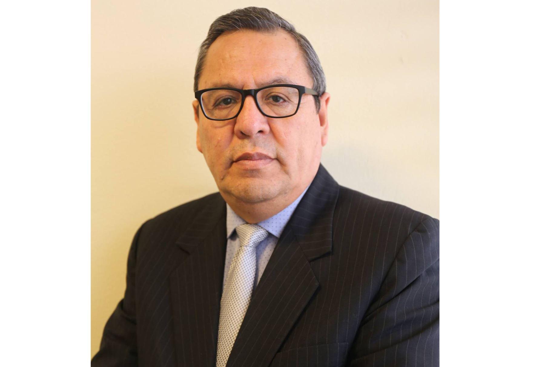 Carlos Becerra presidente del directorio de Editora Perú