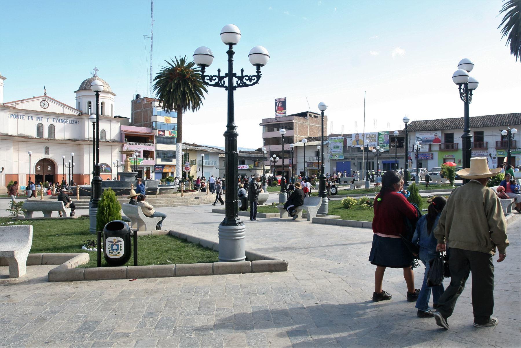 La plaza de Armas de Chota sería el escenario del debate convocado para mañana. Foto: ANDINA/archivo.