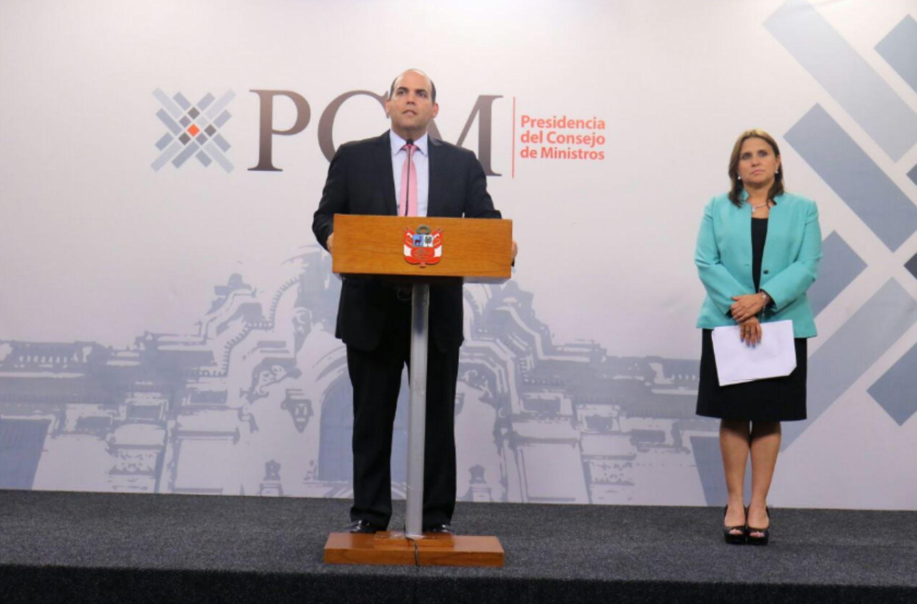 Fernando Zavala y Marisol Pérez Tello. Foto: PCM.