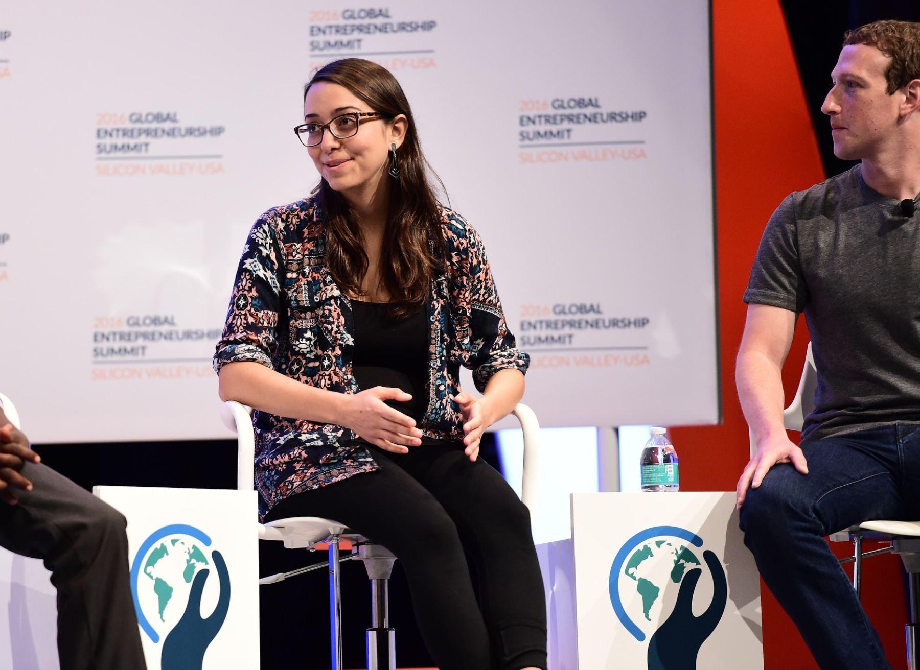 Mariana Costa contó a Andina que esto forma parte del proceso de colocación laboral de las jóvenes.