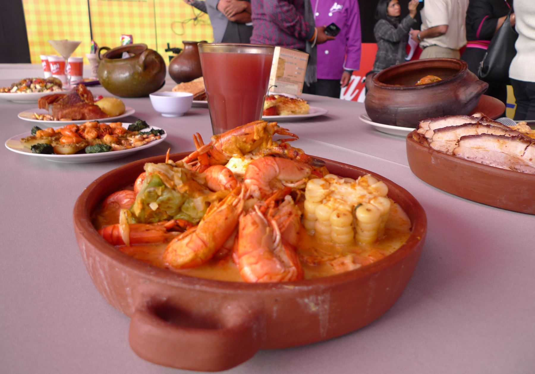 El chupe de camarones es el plato emblemático de la reconocida gastronomía arequipeña. ANDINA/archivo