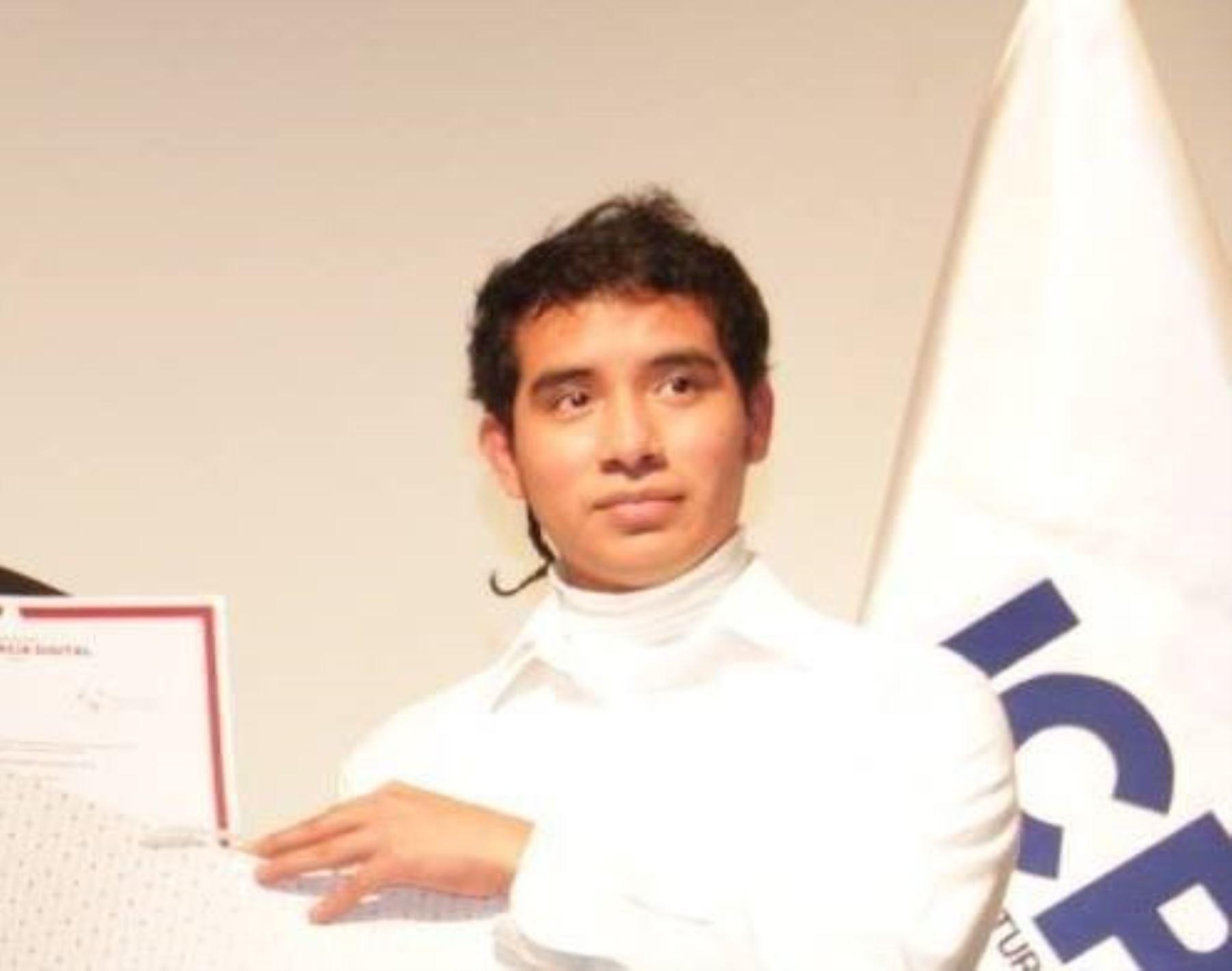 Distinguen en Londres a joven peruano que creó aplicativo para luchar contra el crimen.