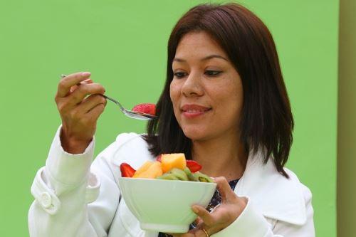 Solo el 10 % de peruanos consume adecuadamente frutas, sostiene nutricionista. Foto: ANDINA/difusión.