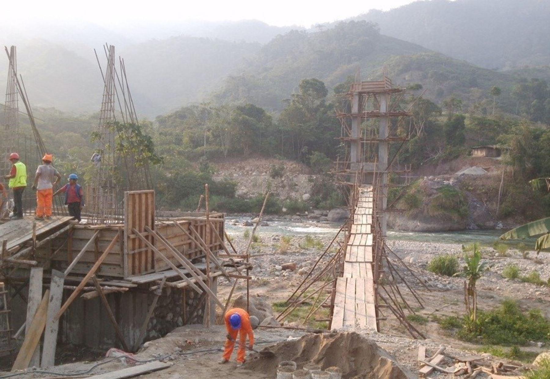Nuevo puente en Tocache, en San Martín, beneficia a los productores de café y cacao. ANDINA