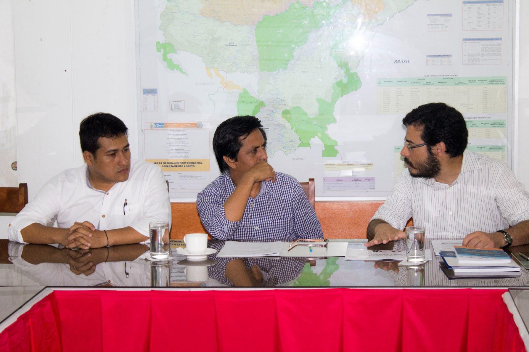 Gobernador regional de Loreto, Fernando Meléndez; se reunió con el coordinador ejecutivo del Programa Bosques, César Calmet.