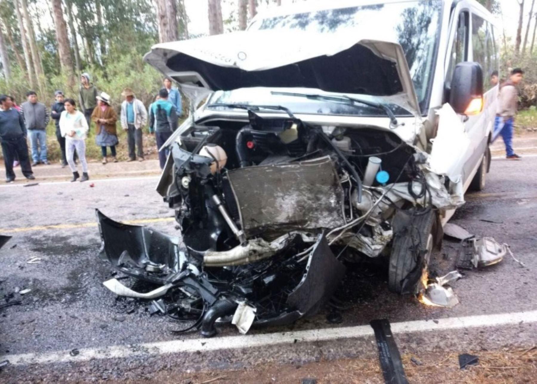 Recomiendan subir a autómoviles con SOAT vigente para hacer uso inmediato de cobertura que ofrece a personas por accidentes de tránsito. ANDINA/Difusión