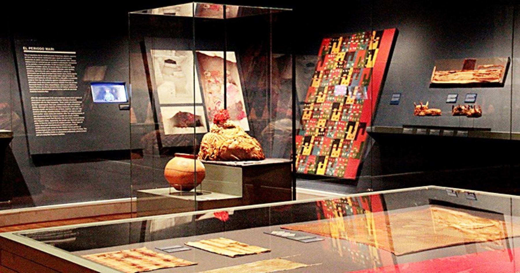 Exposición sobre sitio arqueológico Cerro de Oro de Cañete
