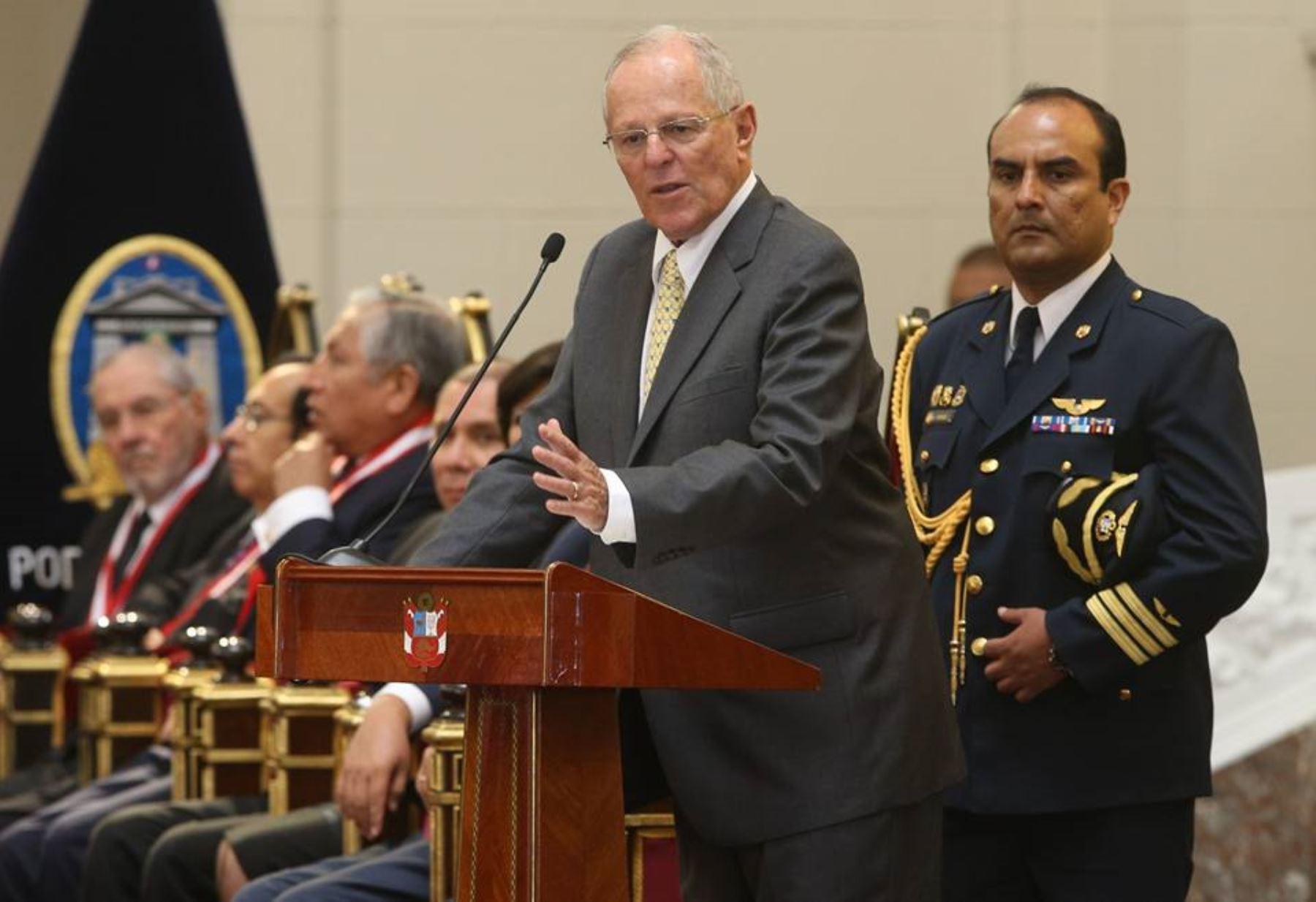 El presidente Pedro Pablo Kuvzynski dio un discurso en la ceremonia de designación del nuevo titular del PJ.