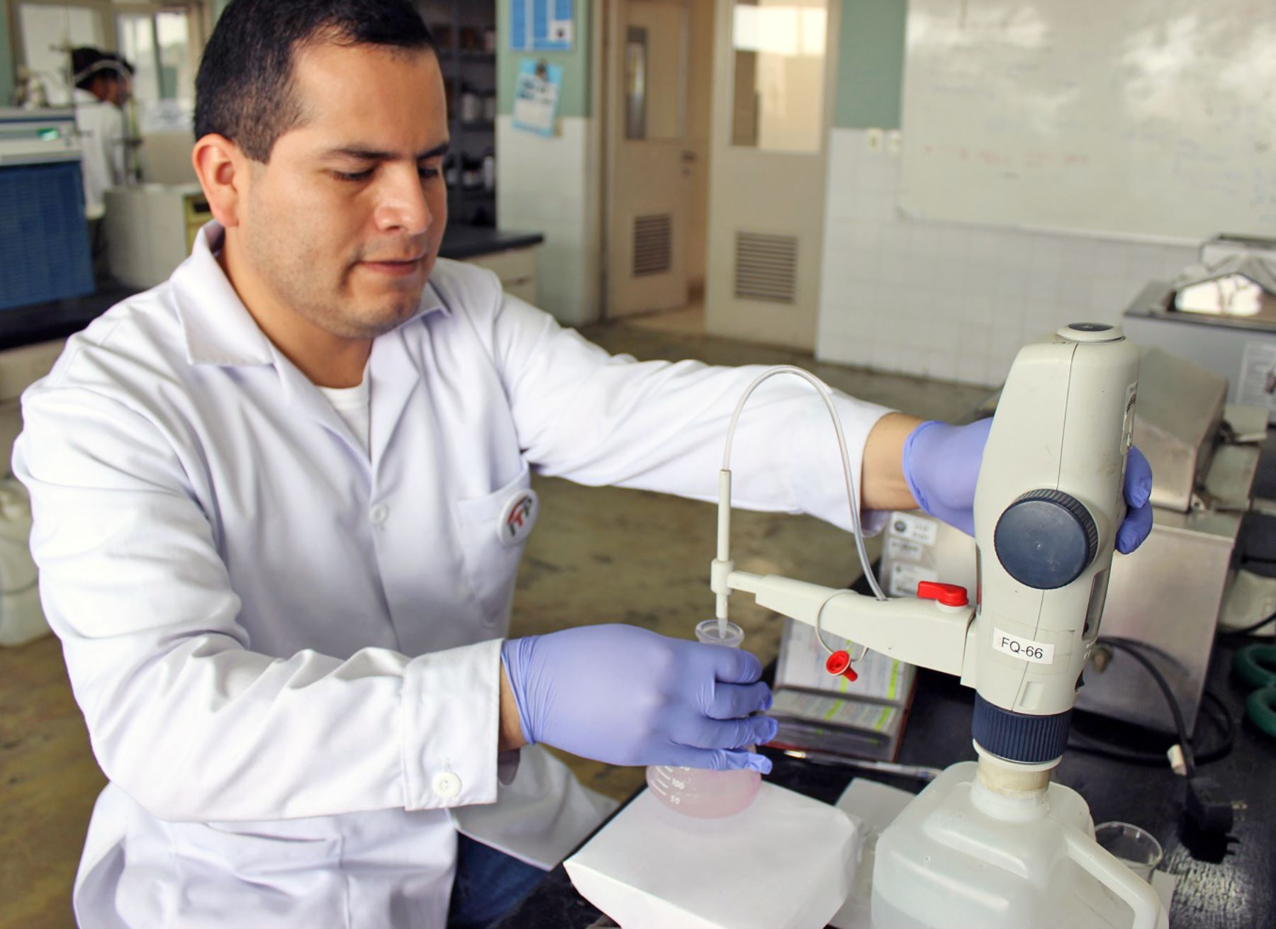 El Concytec está interesado en darle oportunidades a la juventud peruana interesada en la ciencia a postular a concursos. ANDINA/Difusión