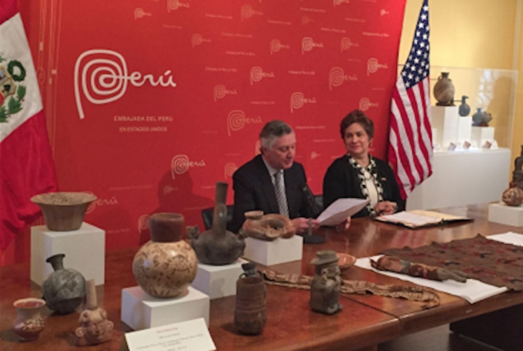 Embajador peruano Carlos Pareja destaca colaboración de Estados Unidos en lucha contra el tráfico cultural. Difusión