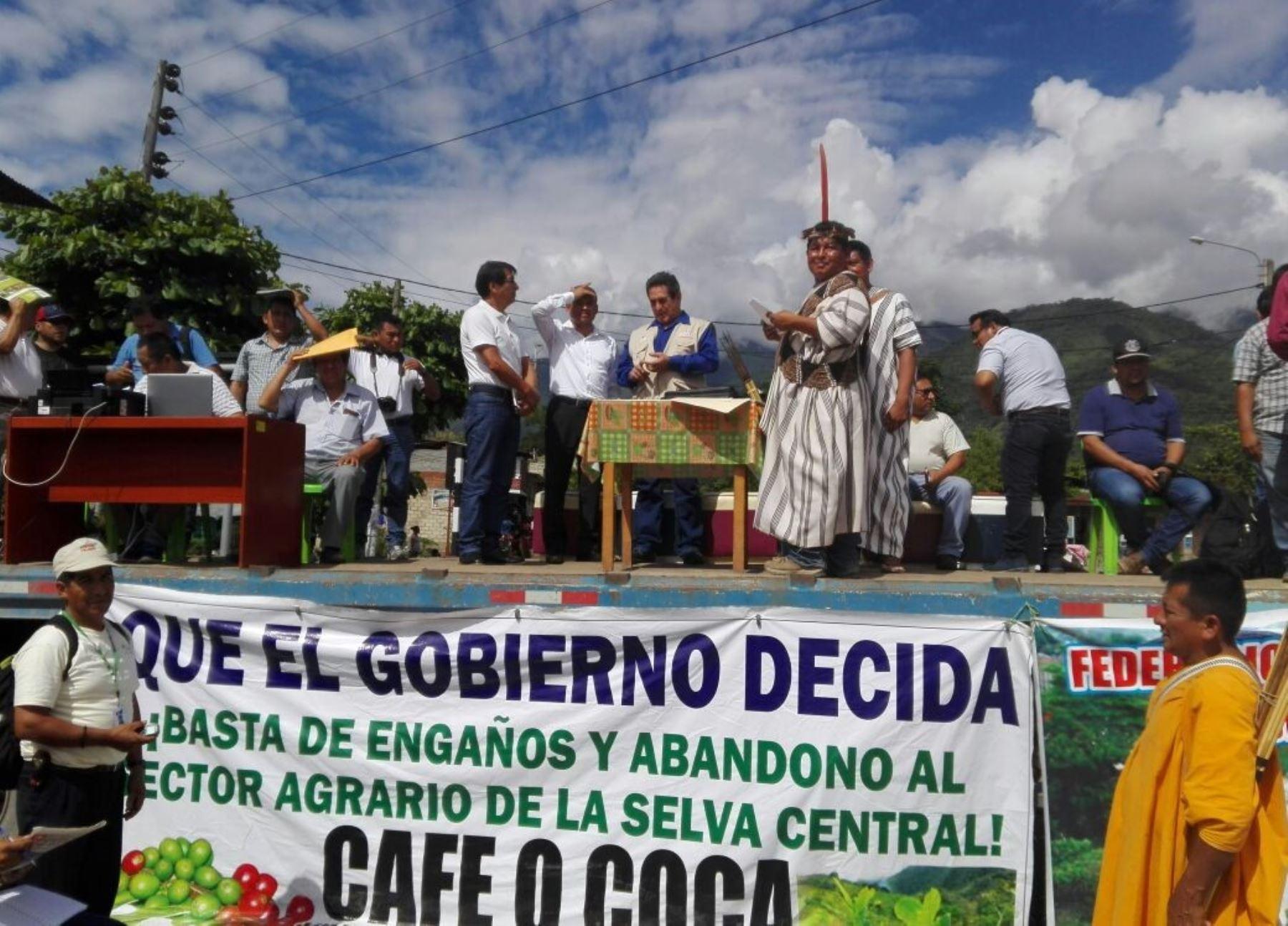 Productores cafetaleros de la Selva Central, en Junín, levantan paro tras la mediación de la ONDS.