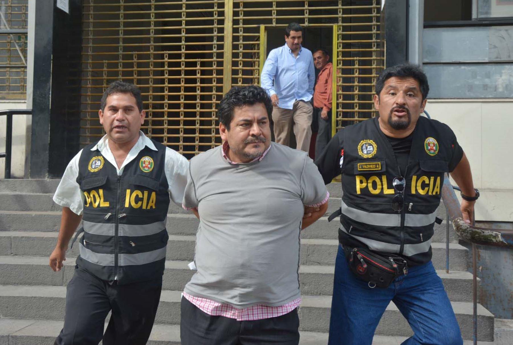 Trasladan a Edwin Luyo Barrientos, primer exfuncionario peruano acusado de recibir sobornos de la empresa brasileña Odebrecht. ANDINA/Eddy Ramos