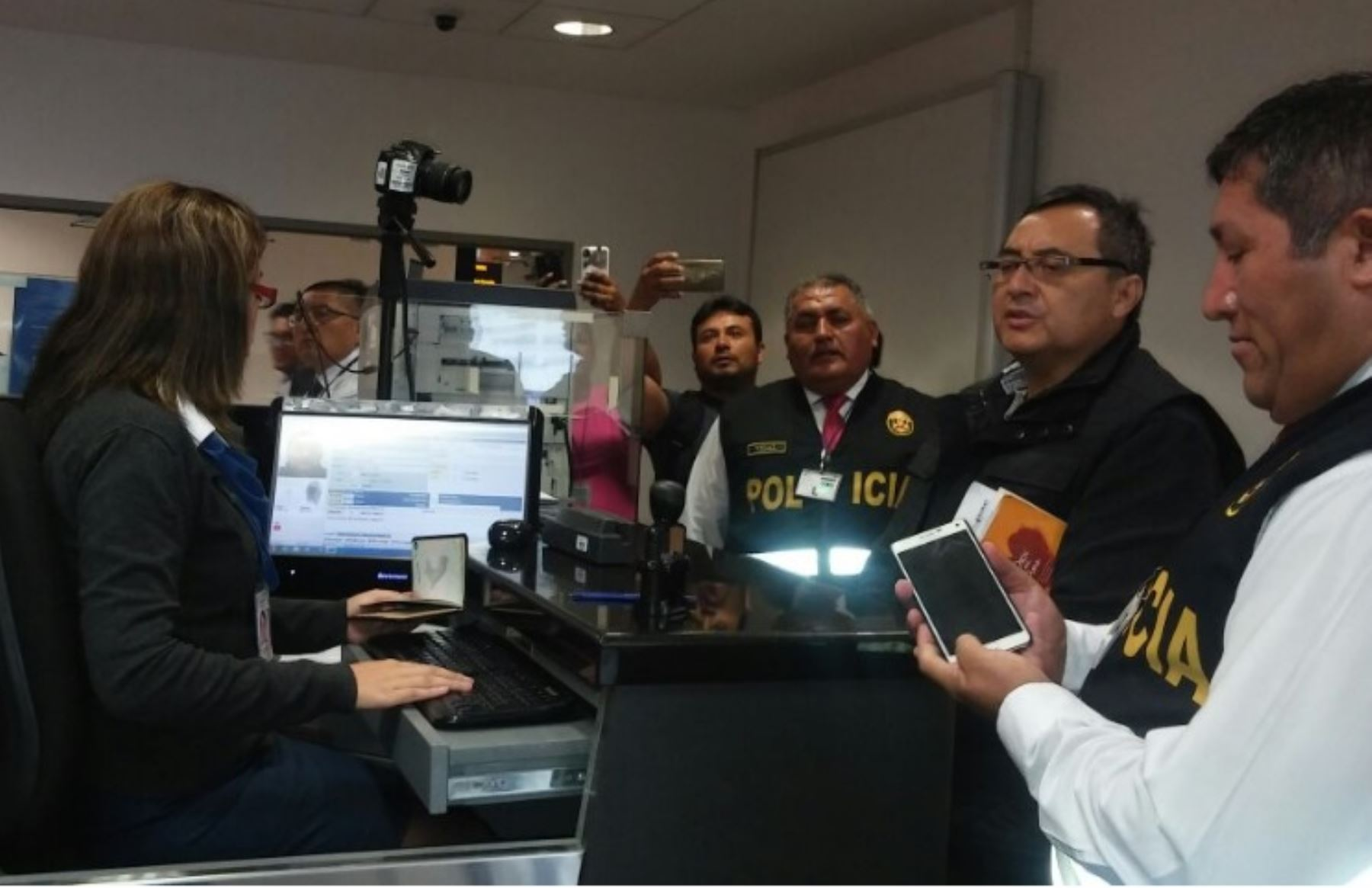 Jorge Cubas, ex viceministro de Comunicaciones, es llega a Lima. @PoliciaPeru