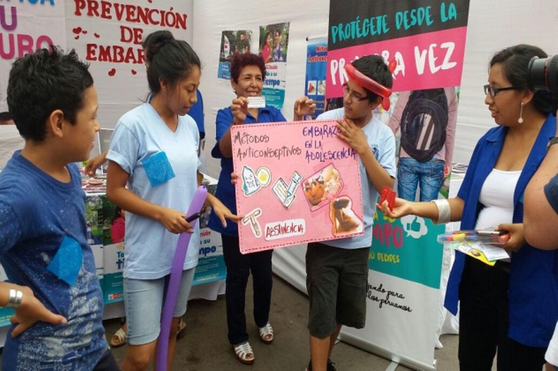 A través de ferias informativas Minsa busca contribuir a la reducción del embarazo adolescente en el país.