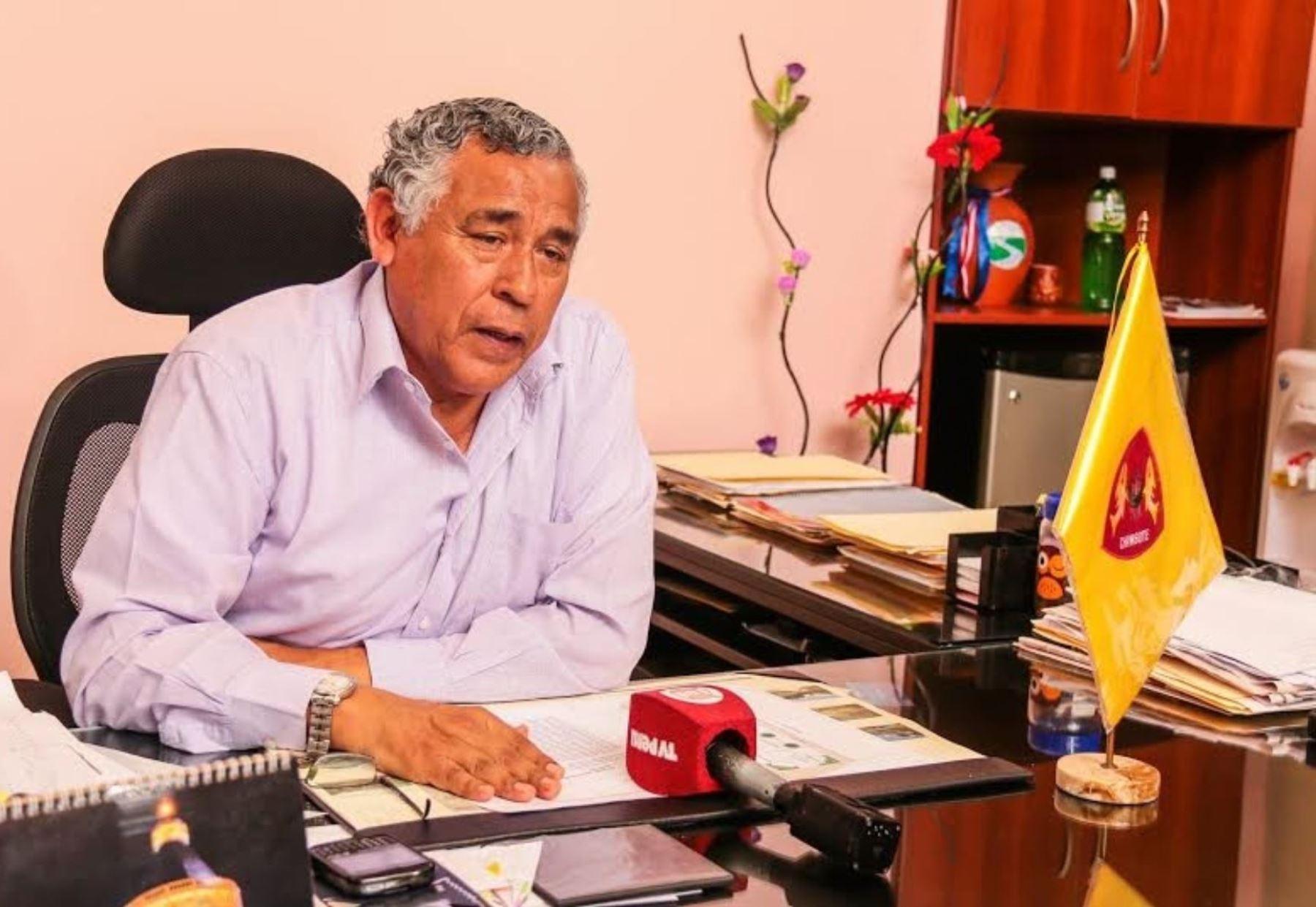 Alcalde de la provincia del Santa, Julio Cortez Rojas, solicitó apoyo a Gobierno Regional de Áncash para fumigar zonas agrícolas. ANDINA
