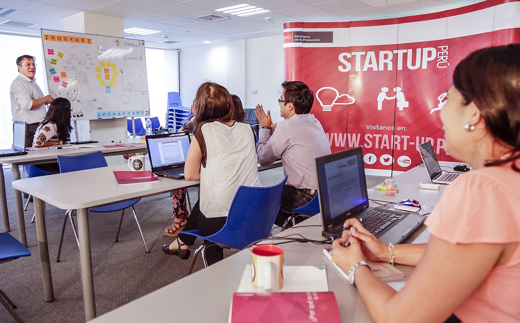 """Charlas sobre """"startup"""". Foto: ANDINA/Difusión."""