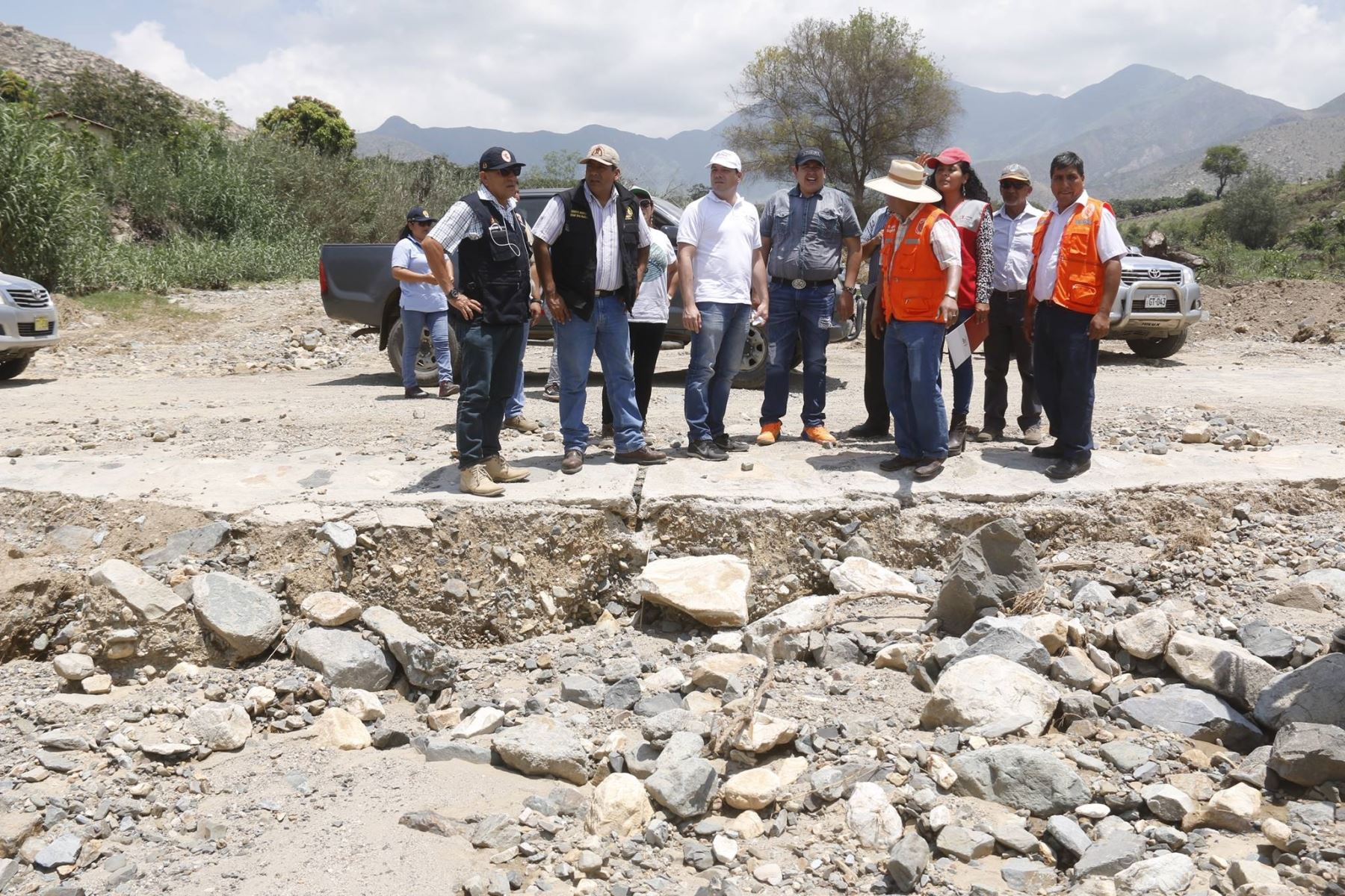 Director ejecutivo del programa Trabaja Perú, César Gálvez, inspeccionó los daños en los distritos de Samanco, Moro, Nepeña y Cáceres del Perú,