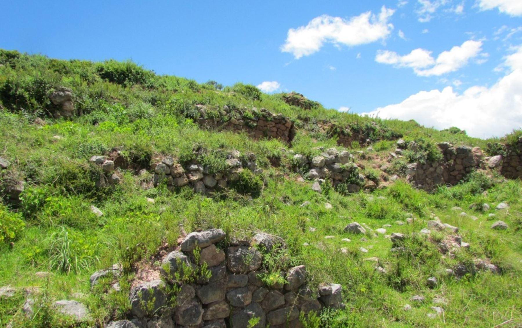 """El Ministerio de Cultura declaró hoy como Patrimonio Cultural de la Nación al monumento arqueológico prehispánico """"Waynaqolqa"""", en la clasificación de """"Paisaje Arqueológico"""", el cual se ubica en el distrito de Huayllabamba, provincia de Urubamba, en la región de Cusco."""