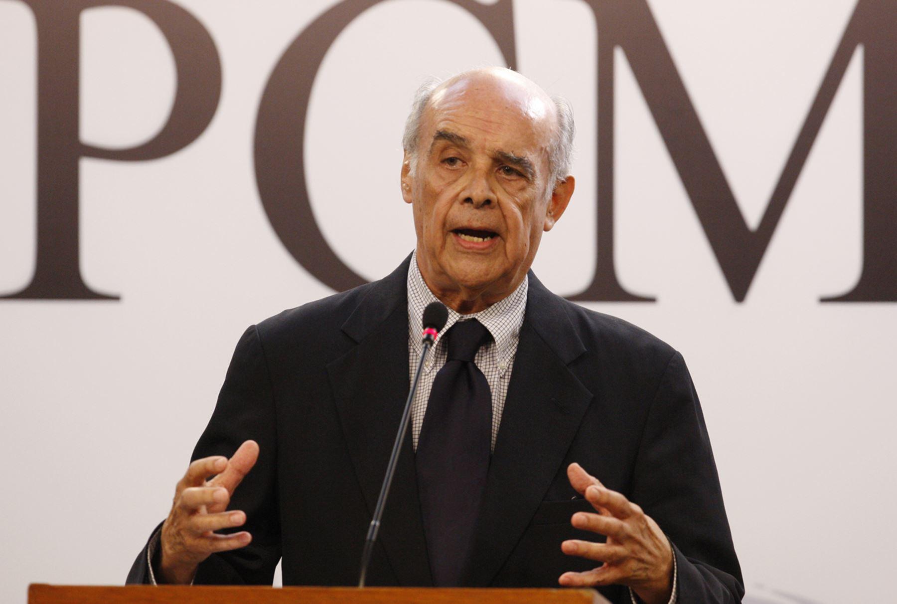 Canciller peruano Ricardo Luna, en conferencia de prensa, al termino de Coinsejo de Ministros. ANDINA/Eddy Ramos
