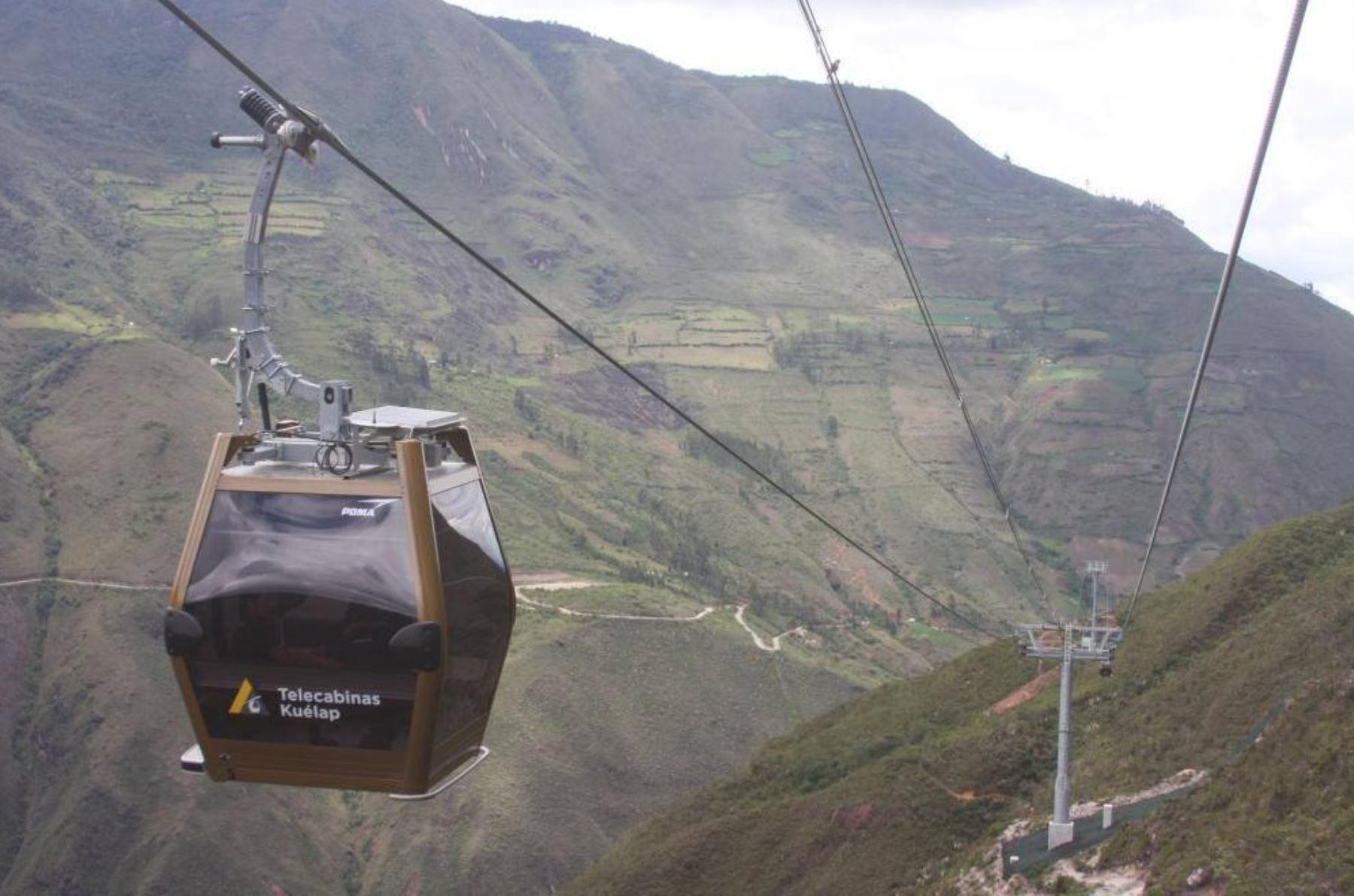 El sistema de telecabinas de Kuélap es el primer medio de transporte turístico que existe en Perú.