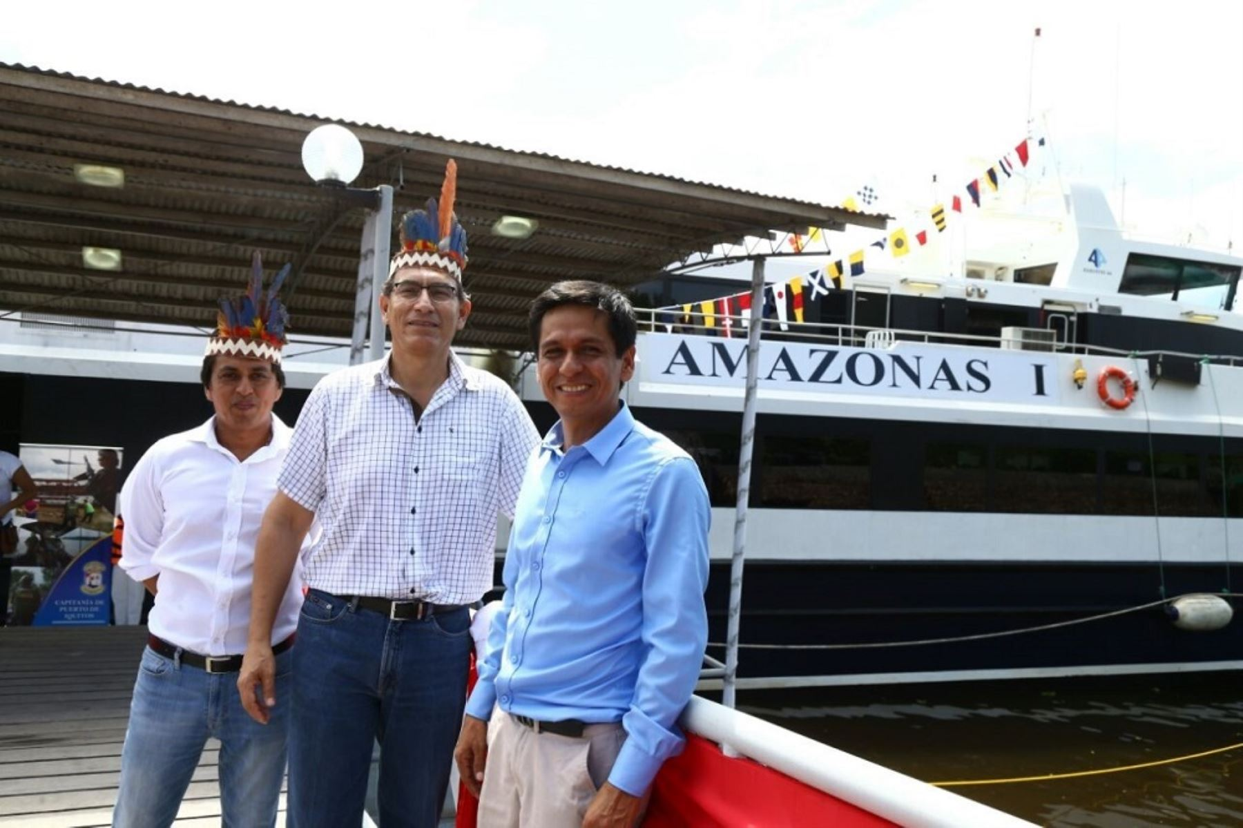 Ministro de Transportes y Comunicaciones, Martín Vizcarra; junto al gobernador regional de Loreto, Fernando Meléndez; y el congresista por Loreto, Jorge Meléndez, visitaron el Ferry Amazónico que prestará servicios desde el próximo 13 de marzo.