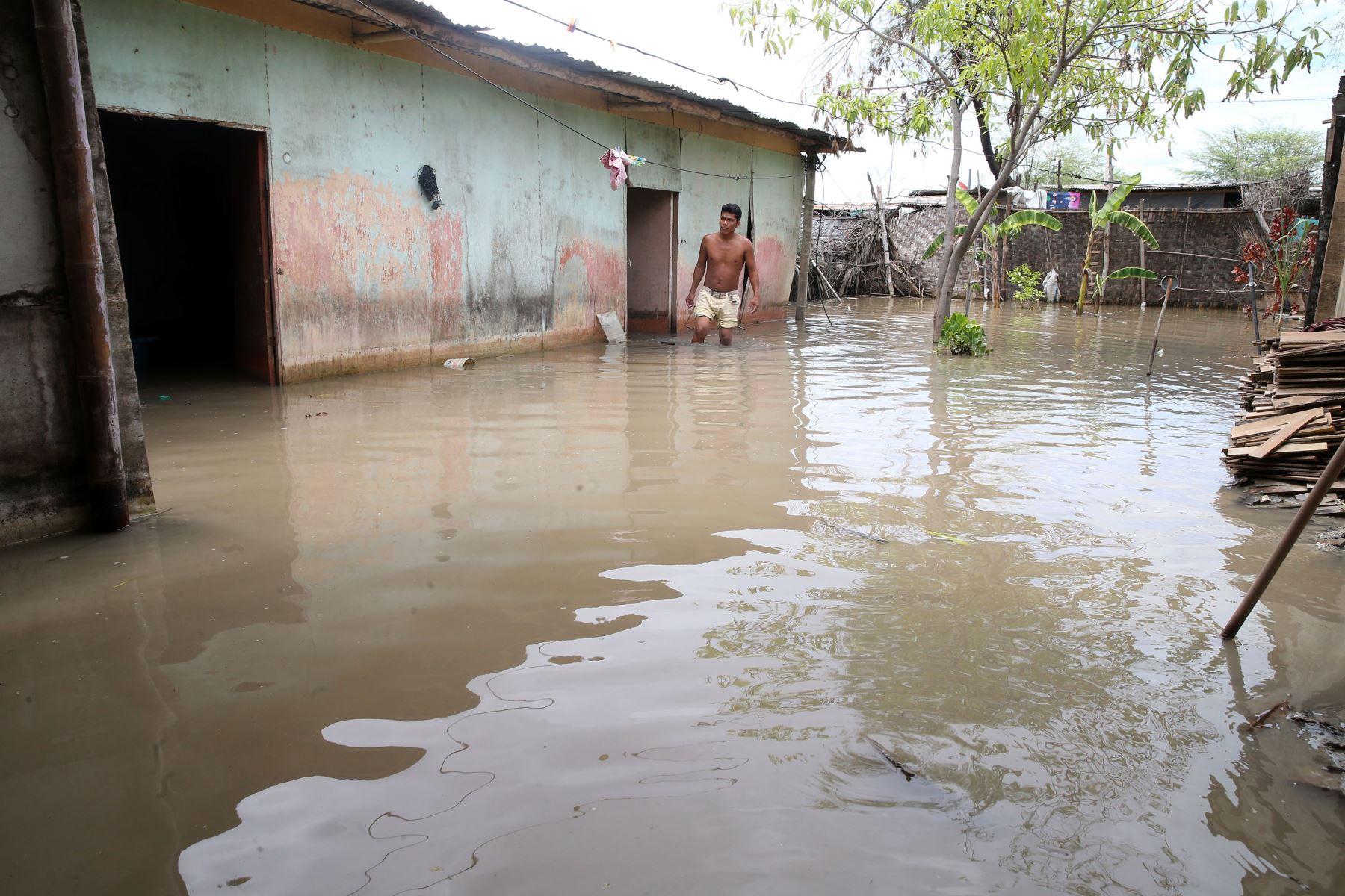 PIURA-PERÚ-MARZO 14. AA. HH. el Indio, Distrito de Castilla, damnificados de inundaciones en Piura Foto: ANDINA/Vidal Tarqui