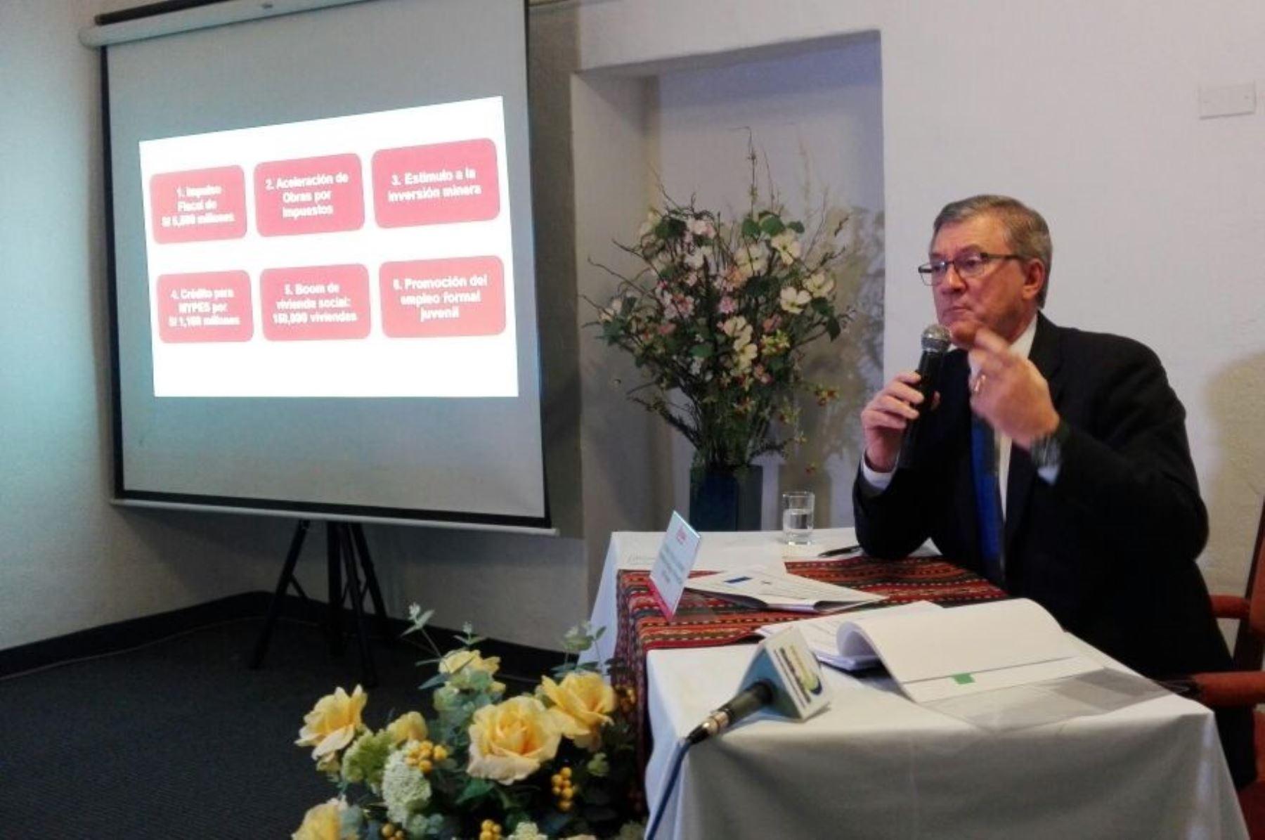 Ministro de Trabajo, Alfonso Grados, visitó Cusco.