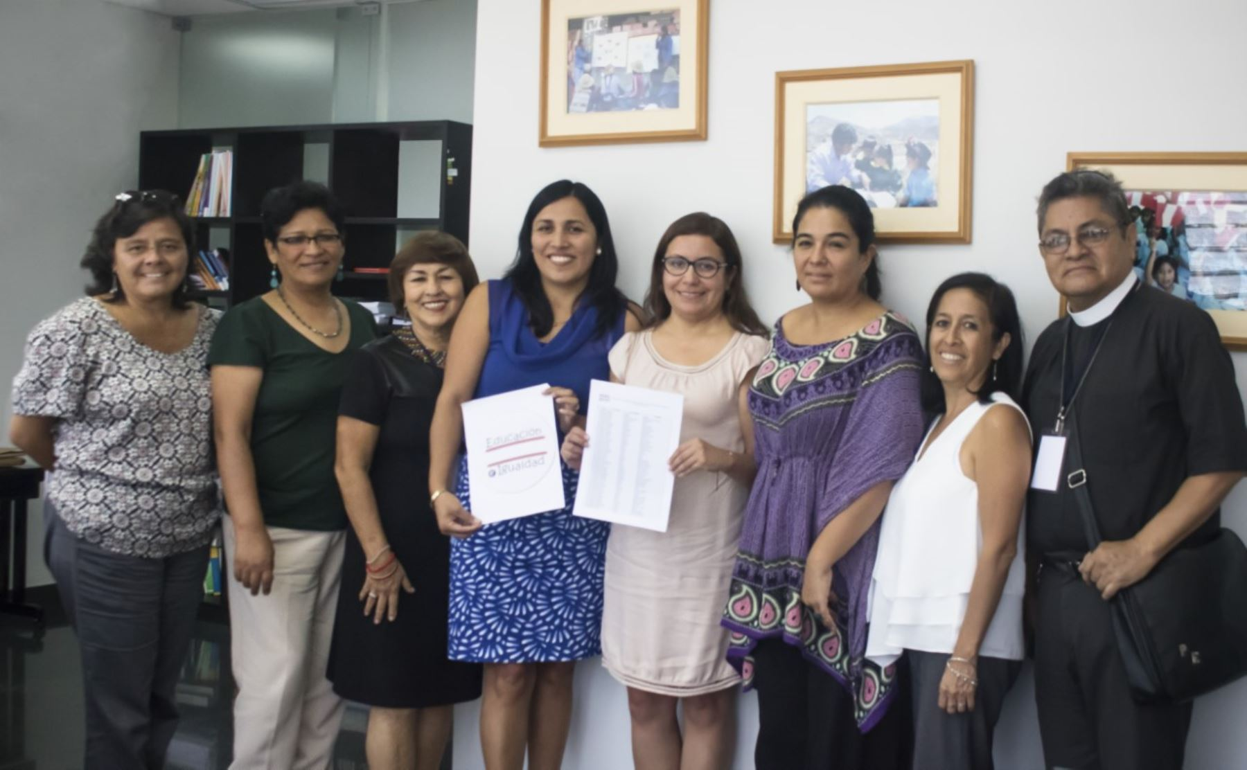 Integrantes de la Plataforma por el derecho a la educación y la igualdad expresaron su conformidad porque el Curriculo Nacional se aplique en los colegios del país.
